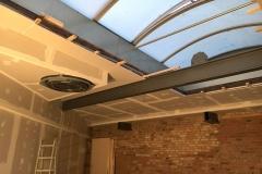 Deckenkonstruktion mit Verkleidung des Lichtöffnungskranzes